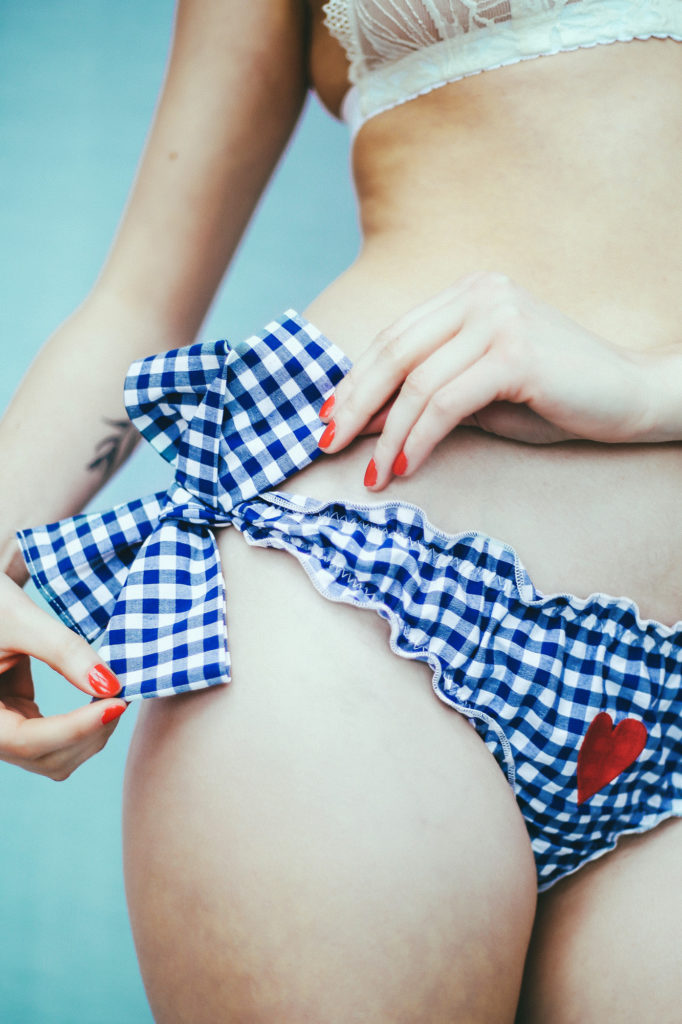 Culotte brodée à nœuds «madig»